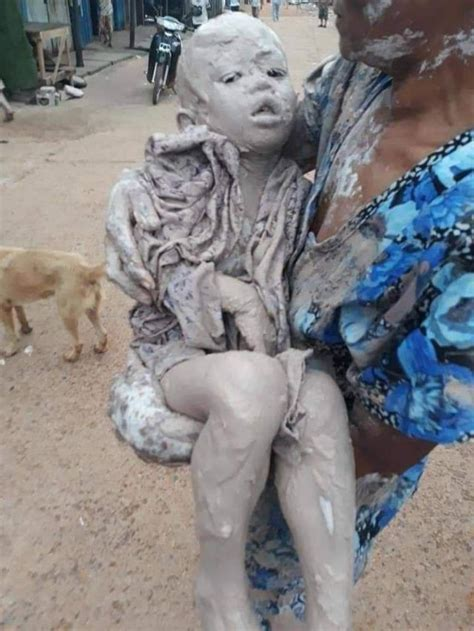 Lucky Escape For Kids Stuck In Mud ⋆ Cambodia News English