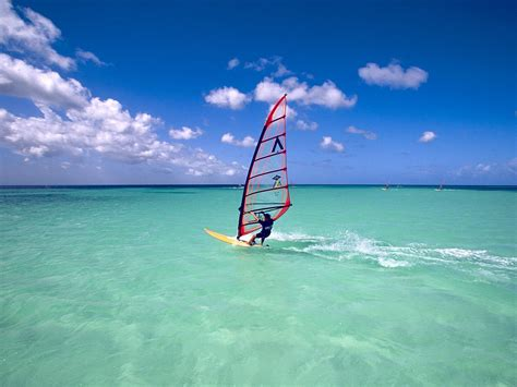 Put this on your vacation to do list! #windsurfing #hawaii