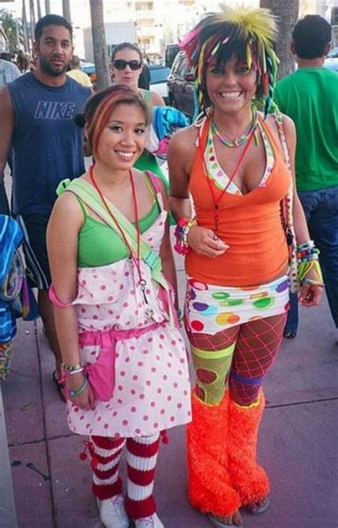 The Most Ridiculous Fashion Trends - Barnorama